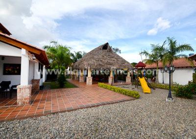 cabanas-en-villavicencio-rincon-de-apiay-entradal