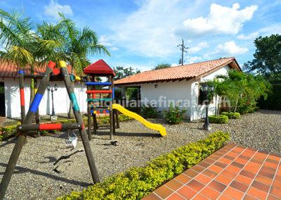 cabanas-en-villavicencio-rincon-de-apiay-parque-infantil