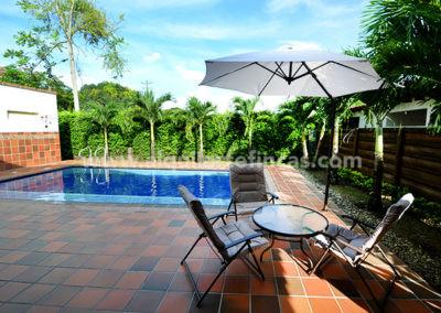 cabanas-en-villavicencio-rincon-de-apiay-piscina